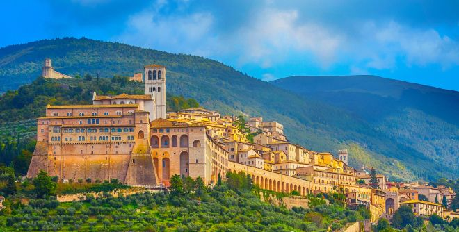 basilica-of-san-francesco-in-assisi--umbria--italy-921370774-5aba5929ae9ab80037aa6325