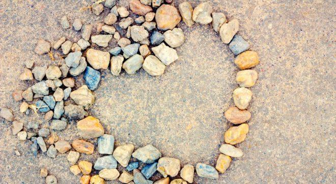 cropped-heart-stones-1-1.jpeg