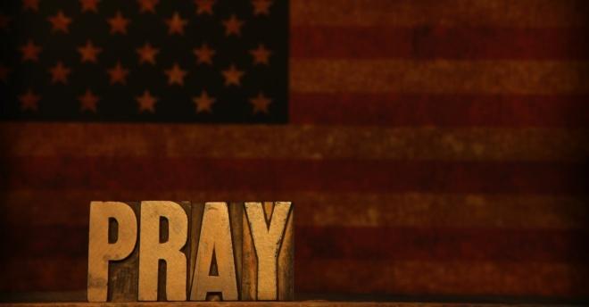 AMERICAN FLAG PRAY